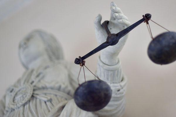 Le recours des parents de deux étudiantes tuées dans un attentat à la gare Saint-Charles de Marseille le 1er octobre 2017 doit être examiné ce mercredi 8 janvier devant le tribunal administratif de Lyon: en jeu, la reconnaissance de la responsabilité de l'État.