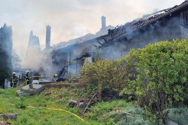 Le feu s'est propagé à l'ensemble du bâtiment