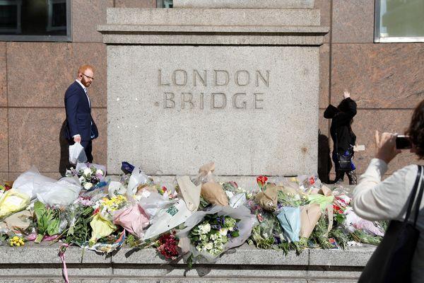 Des fleurs en hommage aux victimes de l'attentat survenu samedi à London Bridge et Borough Market
