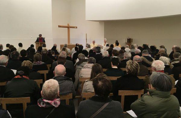 Messe de consécration et de dédicace de l'Anastasis célébrée par Mgr Pierre d'Ornellas.