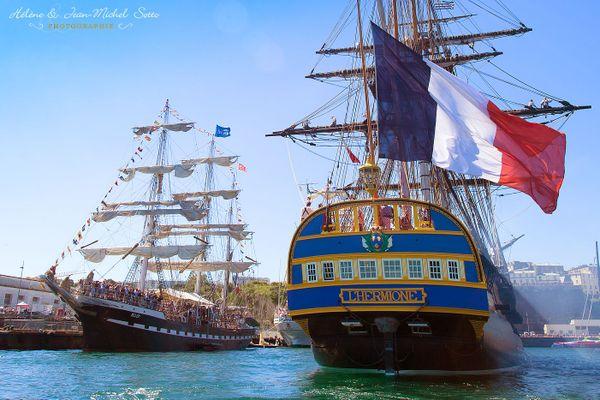 L'Hermione et le Belem sous le ciel bleu des Fêtes Maritimes de Brest 2016