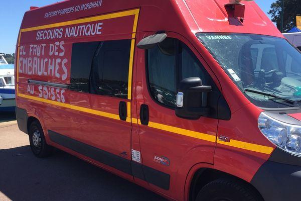 Les pompiers du SDIS 56 ont tagué leurs camions avec leurs revendications