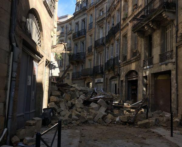 A la mi-journée ce 21 juin, la rue de la Rousselle est encore inaccessible.