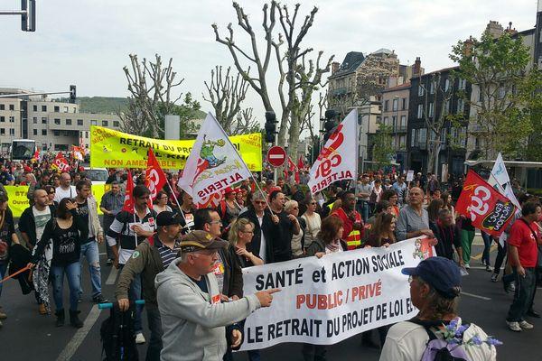 Dans le cortège clermontois, des salariés des secteurs public et privé, des jeunes, venus réaffirmer leur opposition au projet de loi El Khomri.