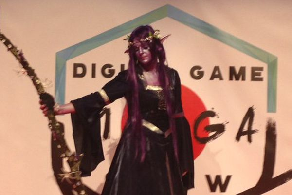Une druidesse tout droit sortie de World of Warcraft, un jeu de rôle en ligne massivement multijoueur.