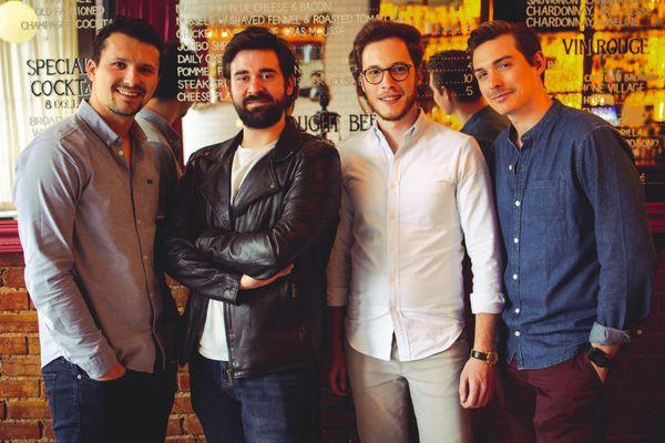 Romain Monnoyeur (à droite) tient avec plusieurs Français un restaurant à Kansas City.