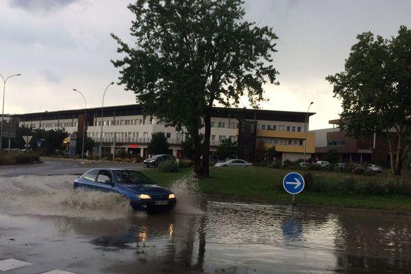 Des pluies importantes sur Brignais obligent les automobilistes à ralentir