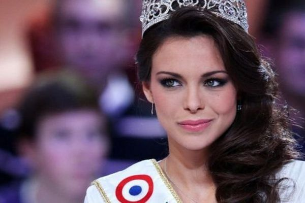 Marine Lorphelin, Miss Bourgogne et Miss France 2013, sur Canal PLus le 10 décembre 2013