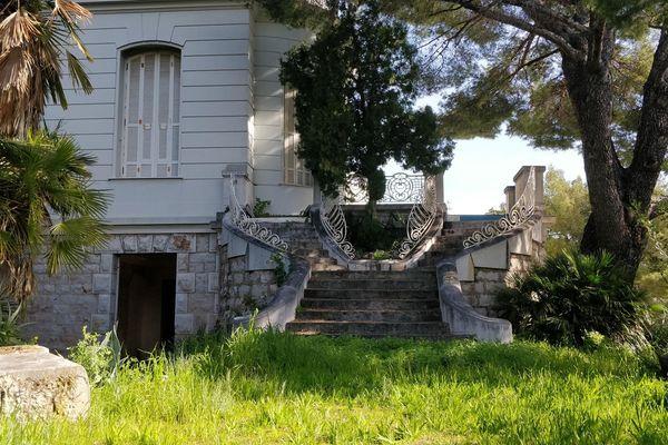 Villa abandonnée dans les Alpes-Maritimes