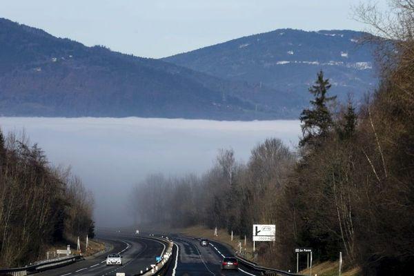 La vallée de l'Arve est régulièrement victime de pics de pollution. En hiver, ce sont surtout les particules fines qui posent problèmes.