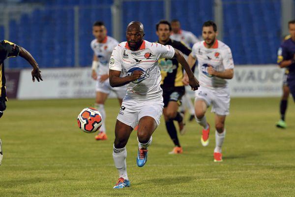 La rencontre entre Arles Avignon et le Stade Lavallois s'est soldée par un match nul