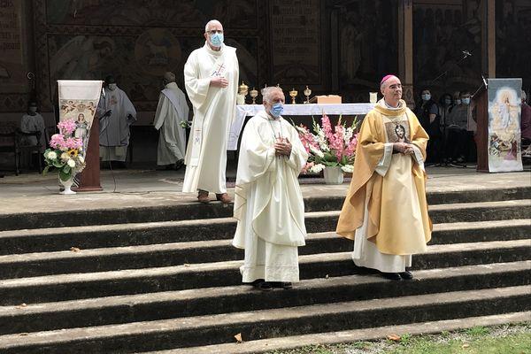Le souvenir du prêtre Olivier Maire était omniprésent lors de cette messe du 15 août.