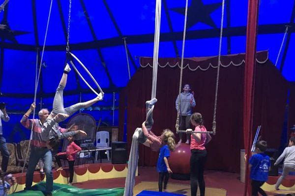 L'école de cirque de John Fratellini à Oizé (72)