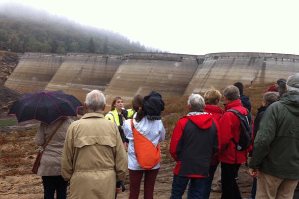 F3 Limousin - Un groupe de visiteurs au barrage du Mazeaud ce samedi 17 septembre