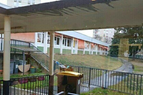 En moins d'une semaine, l'école de Desnos-Aymé à Montluçon a été cambriolée puis vandalisée.
