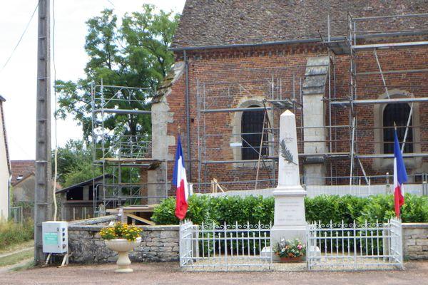 Le projet de restauration de l'église Saint-Pierre est porté par la commune de Tichey (Côte-d'Or).