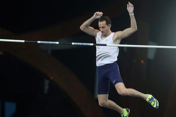 Licencié au Clermont Athlétisme Auvergne, Renaud Lavillenie organise un concours de saut à la perche dimanche 25 février à Clermont-Ferrand.
