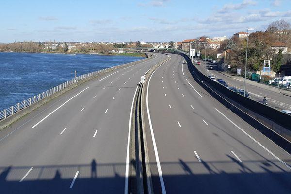 Autouroute A7, la traversée de Valence (archives) en bordure du Rhône