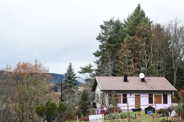 Le domicile des époux Jacob est situé à Aumontzey, dans les Vosges