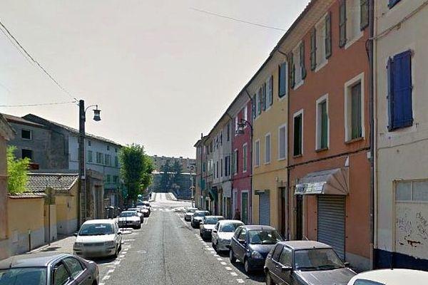 Alès (Gard) - une rue du quartier Notre-Dame - illustration