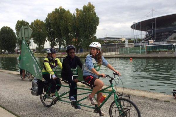 Les participants au Tour Alternatiba sont arrivés le 25 septembre 2015 à Saint-Denis.