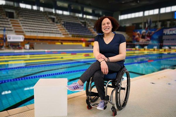 Hadda Guerchouche, devant la ligne 8 de la piscine de Bréquigny où elle a passé des heures à s'entraîner