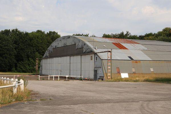 Ce hangar de l'aérodrome de Saint-Omer / Wizernes a été édifié par la Luftwaffe.
