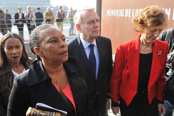 JM Ayrault, lors de l'inauguration du mémorial de l'esclavage à Nantes le 25 mars 2012. C. Taubira à sa droite.