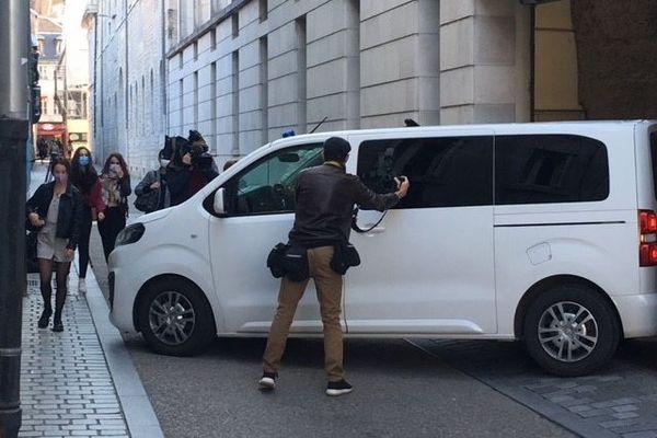 Nicolas Zepeda est arrivé au Palais de justice de Besançon peu avant 10 heures ce mercredi 30 septembre