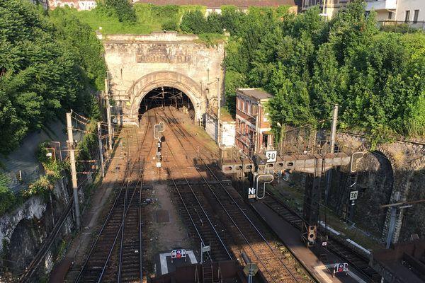 Entrée du tunnel est de la gare de Rouen (vers Paris)