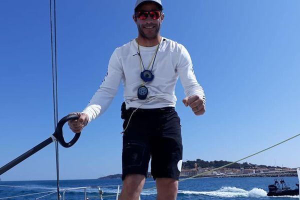 """Clément Giraud remporte la course """"900 nautiques"""""""