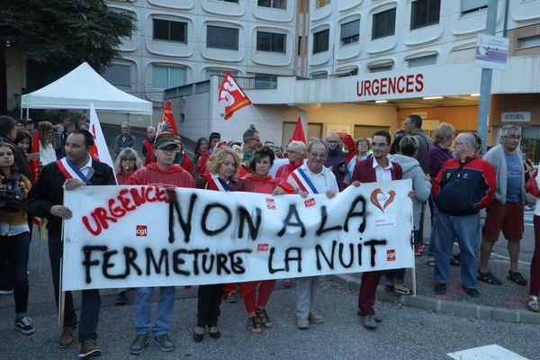 Manifestation pour la sauvegarde des urgences de nuit à Sisteron en septembre 2019.