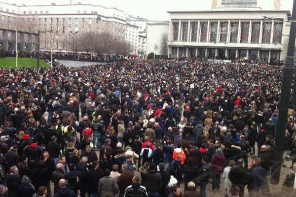 La foule place de la Liberté à Brest