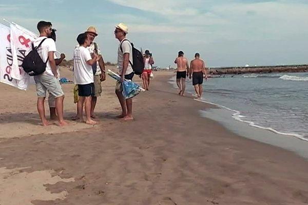 Les actions sur le terrain, comme ici celle de l'association Aides sur la plage de l'Espiguette fin juillet, risquent d'être moins nombreuses.