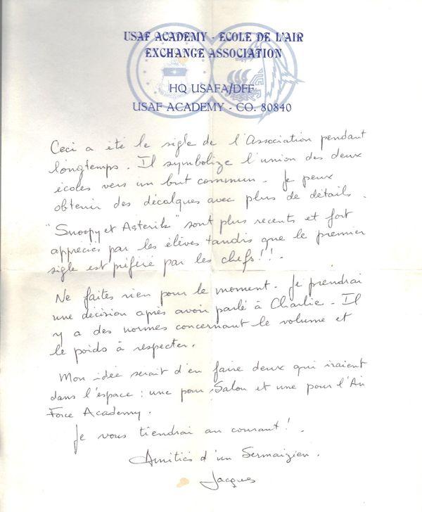 Dans cette lettre, Jacques Adnet confie à Jean-Pierre Surugue qu'il souhaiterait envoyer deux de ses oeufs dans l'espace.
