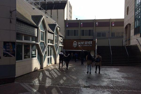 Une des entrées du centre commercial Saint-Sever de Rouen