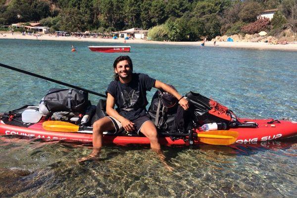 Le tour de Corse en paddle, le défi d' Axel Carlotti.