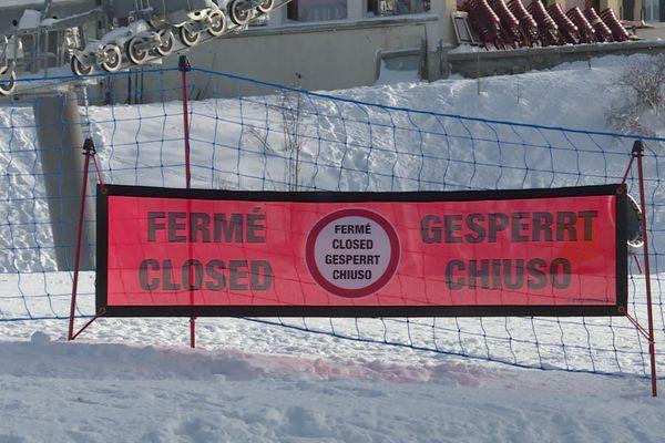 Les stations de ski ne peuvent toujours pas ouvrir les remontées mécaniques en raison de la crise du Covid-19.