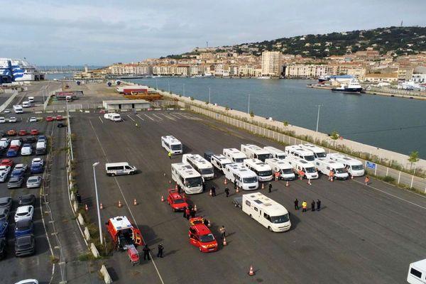Sète (Hérault) - 200 camping-caristes rapatriés du Maroc - 14 mai 2020.