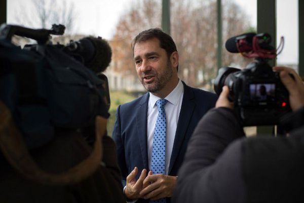 """Cette tribune, intitulée """"Osons la Nation au-delà des clivages"""", a été signée dimanche par 14 députés PS, dont Christophe Castaner, candidat PS aux élections régionales en Paca."""