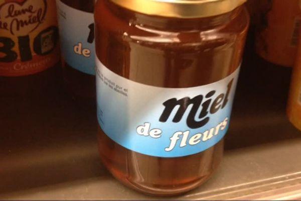 Le miel frelaté est un miel mélangé avec du sirop de glucose