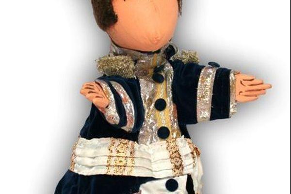 On peut apprécier chaque marionnette en détail.