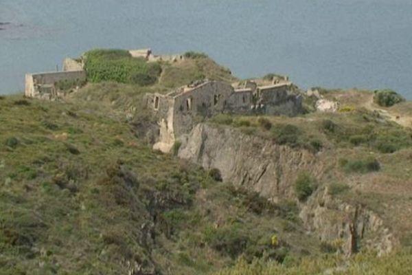 Le fort Mailly garde l'entrée de Port-Vendres depuis le XVIIIe siècle