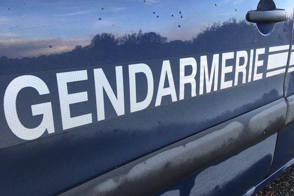 Interpellé par les gendarmes, le conducteur de la voiture accidentée roulait sans permis