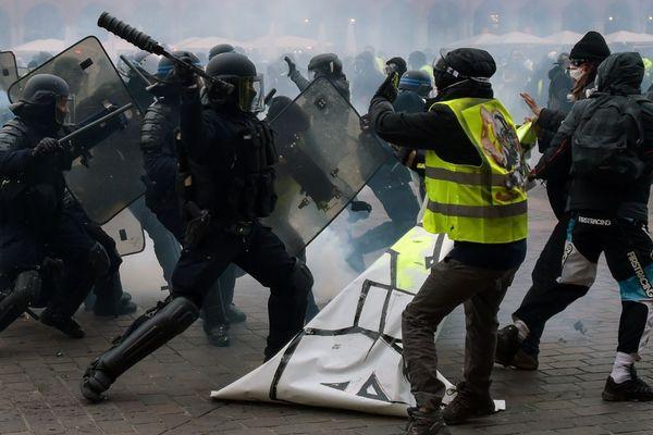 Lors des incidents place du Capitole le 12 janvier