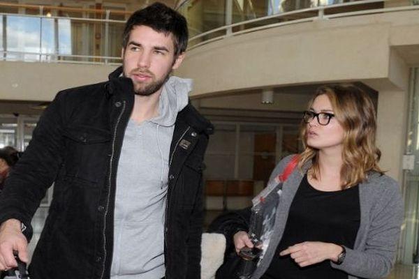 Montpellier - Luka Karabatic et sa compagne Jeny Priez repartent du tribunal - 24 janvier 2013.