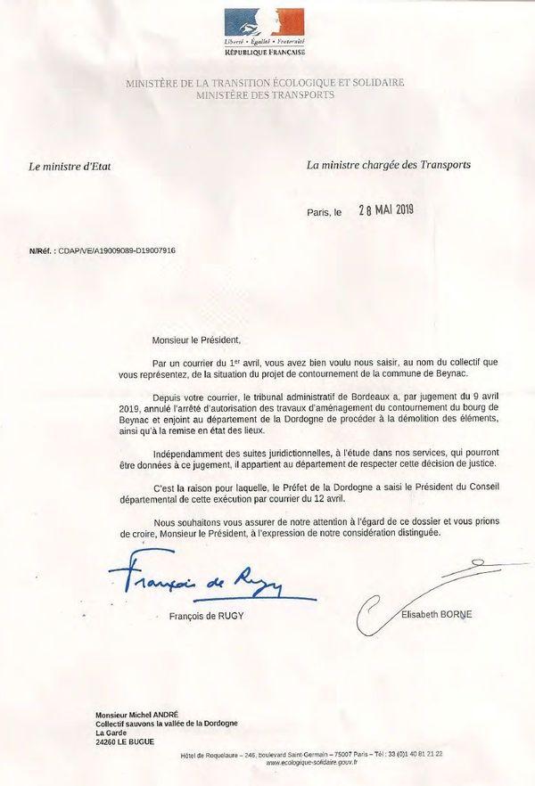 Les ministres de l'Ecologie et des transports rappellent que le département de la Dordogne doit se conformer à la décision de justice
