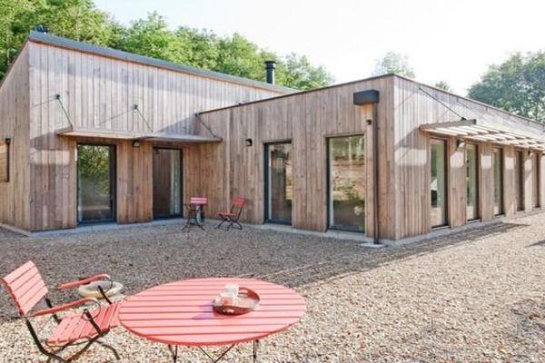 Cette maison, ouvre ses portes pour des visites du public. C'est une réalisation de l' Atelier Correia Et Associés.