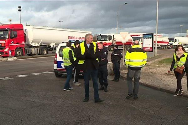 blocage du dépôt de carburant de Longvic