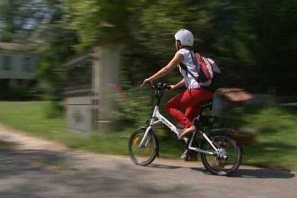 Delphine Gérard à la découverte du Comminges sur son vélo électrique
